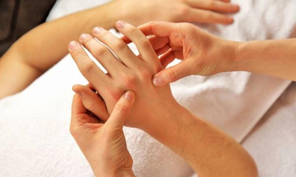 Πόνοι στις αρθρώσεις: Τα σημάδια που πρέπει να προσέξετε